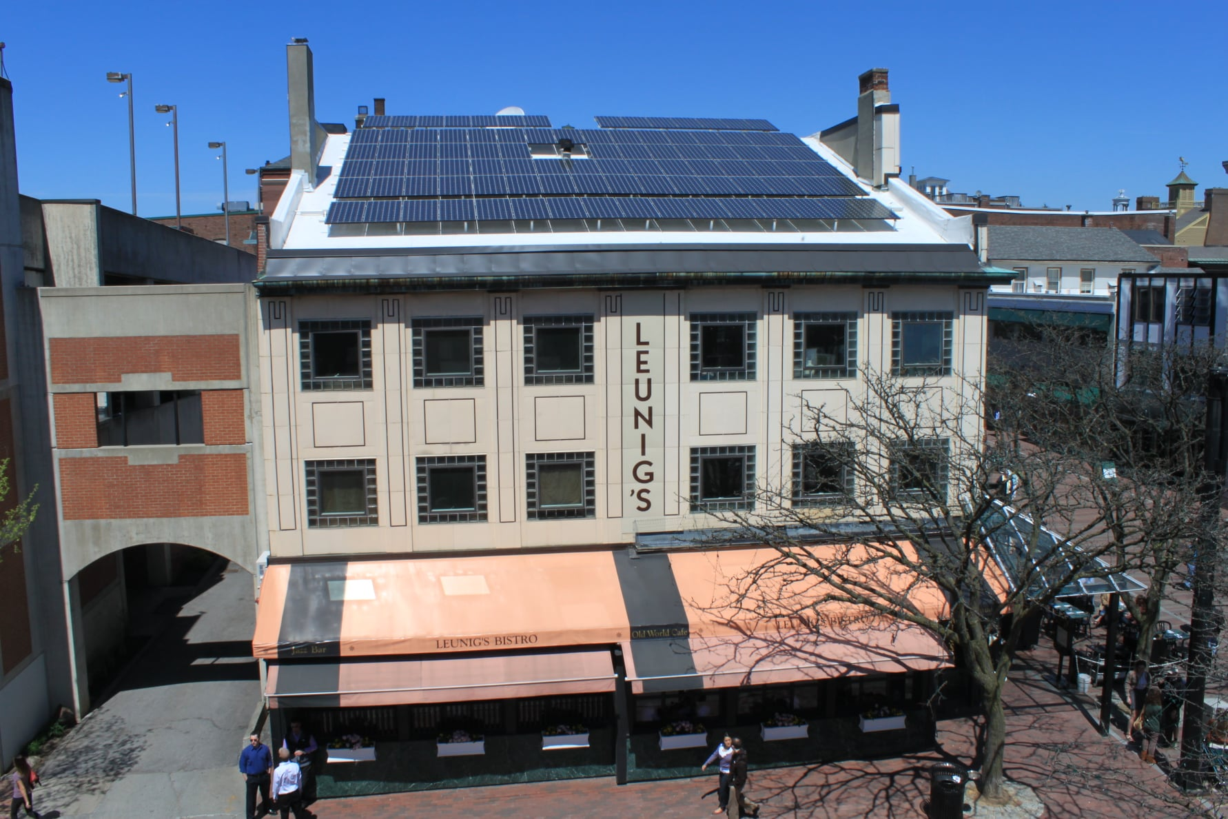 Solar panels on top of Leunigs restaurant in Burlington, VT